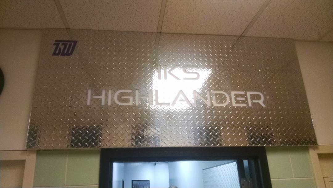 Highlander-Sign